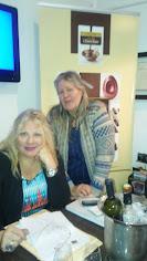 Silvia Ramos de Barton dicta cursos de vinos en La Escuela del Chocolate