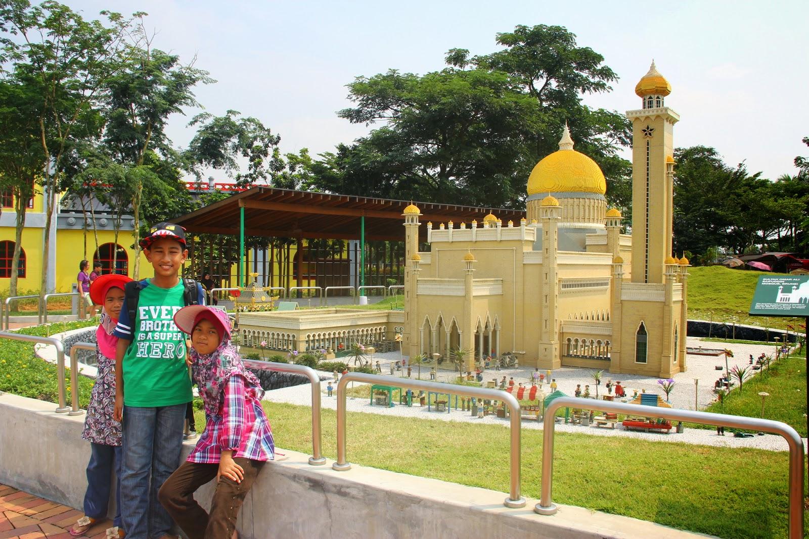 Masjid Sultan Omar Ali Saifuddien, Brunei