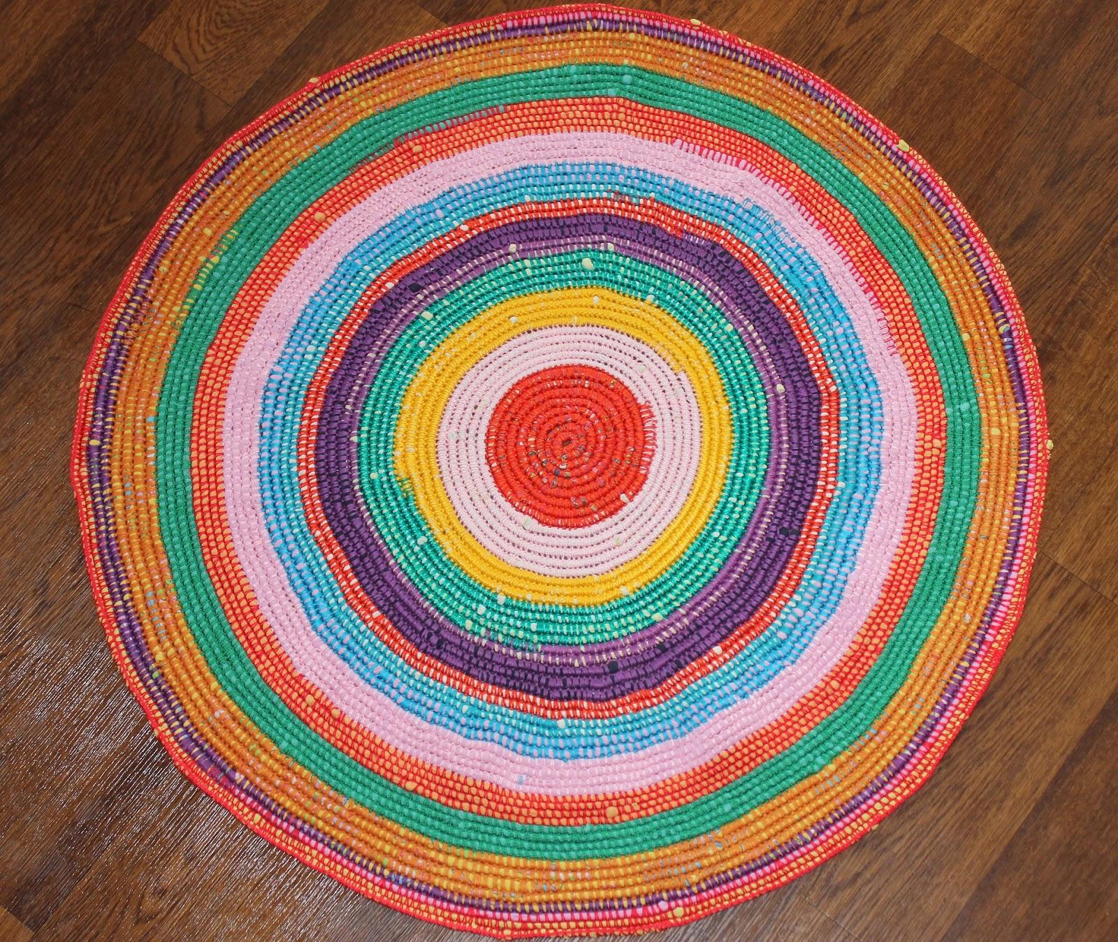 Вязание круглого коврика из старых вещей крючком 89