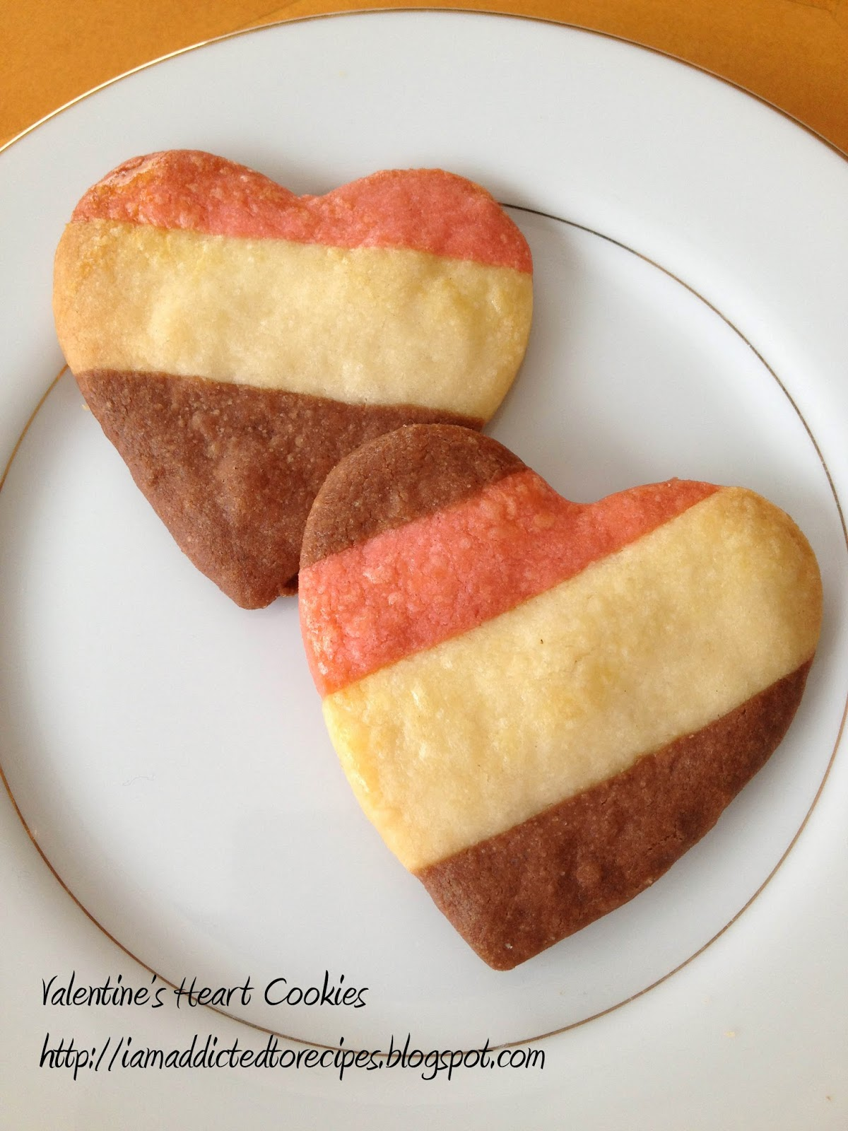 Valentine's Heart Cookies | Addicted to Recipes