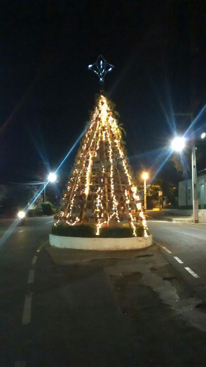 Iluminação natalina já brilha nas ruas de São João do Sóter