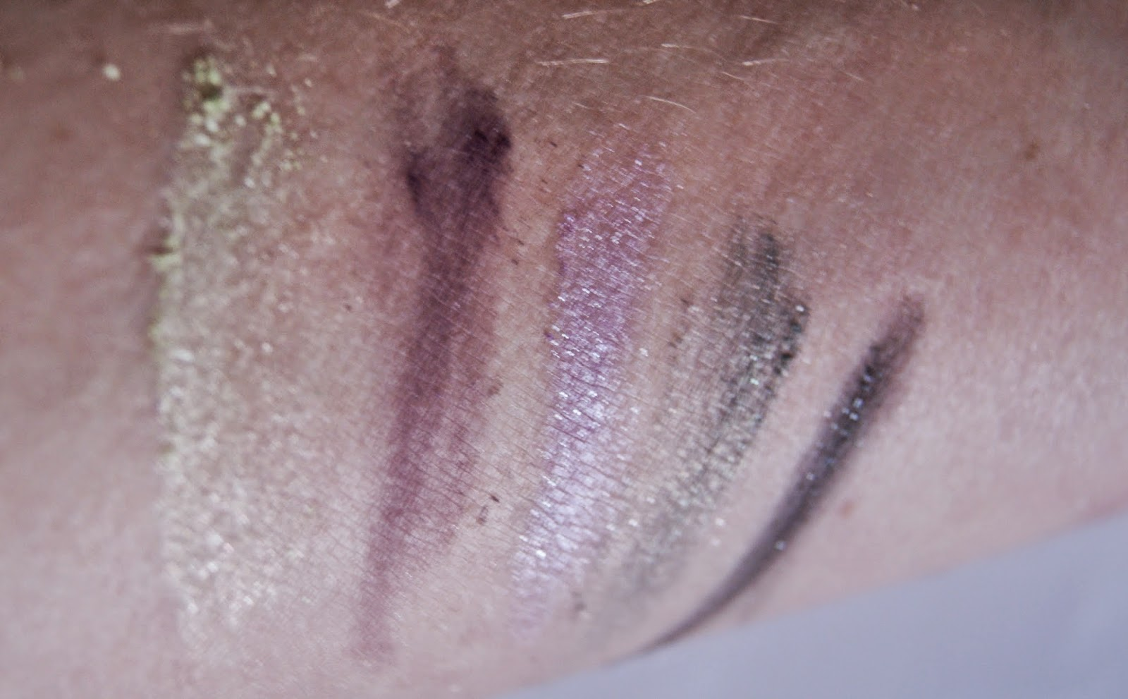 Revlon Colorstay Shadowlinks Eyeshadow in Lime, Plum, Lilac, Moss, and Onyx, Beauty, Makeup, Review, Melanie_Ps,The Purple Scarf, Toronto