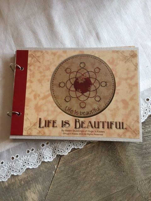 Life is beautiful. Dit leuke patroon van de ontwerpster