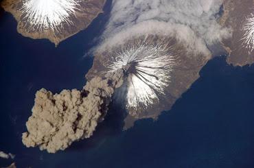 #12 Volcano Wallpaper