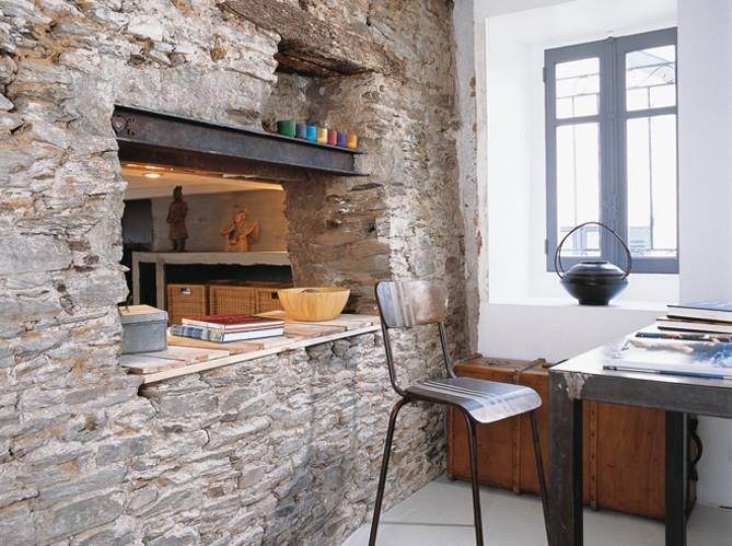 Boiserie & c.: mélange di recupero per una cucina