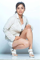 Actress Aparna Bajpai in Trouser