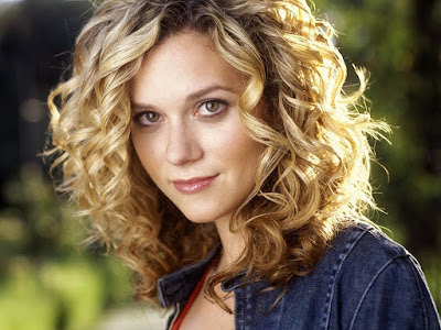 Hilarie Burton Beautiful Wallpaper