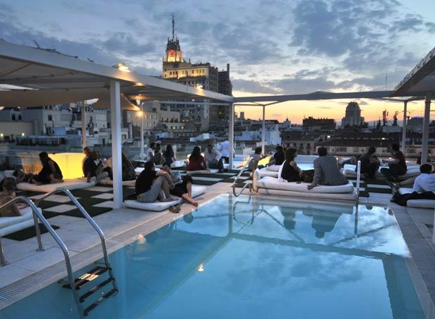 Rincones de maria la terraza del hotel oscar for Room mate oscar piscina