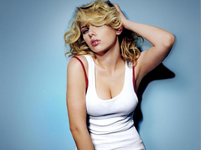 Scarlett Johansson HD Wallpaper