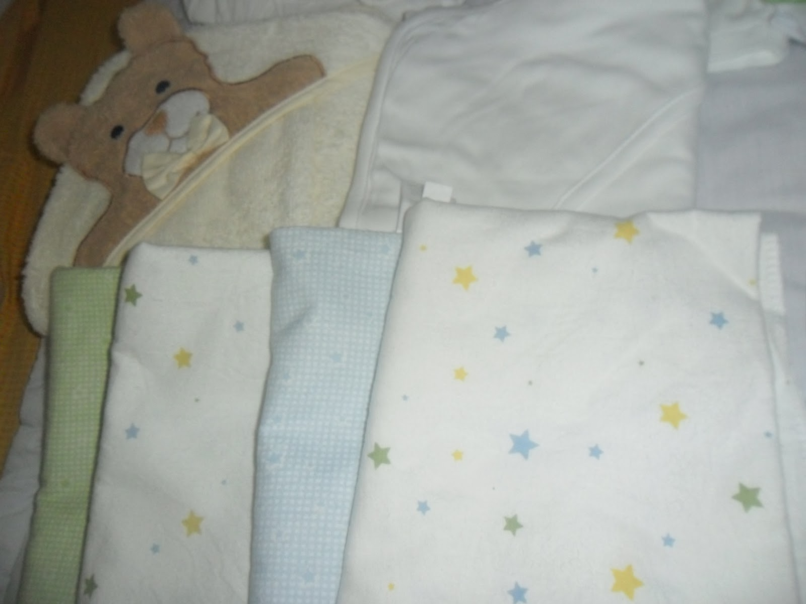 Crib for sale in olongapo - 4 Pc Carter S Receiving Blankets With Star Design
