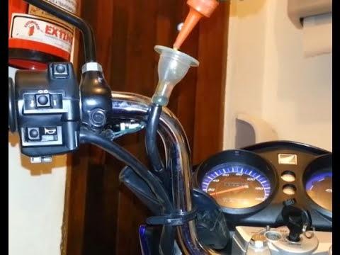 lubrificando%2Bcabos - Nas Entranhas da Moto...