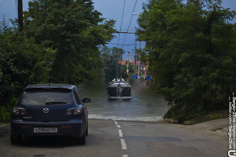 Плотина дамба Краснодарский край водохранилище наводнение Кубань