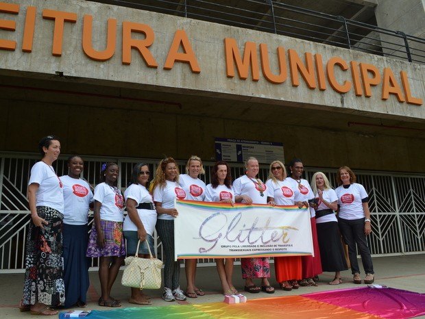 Comissão organizadora do encontro nacional de travestis em Piracicaba (Foto: Thomaz Fernandes)