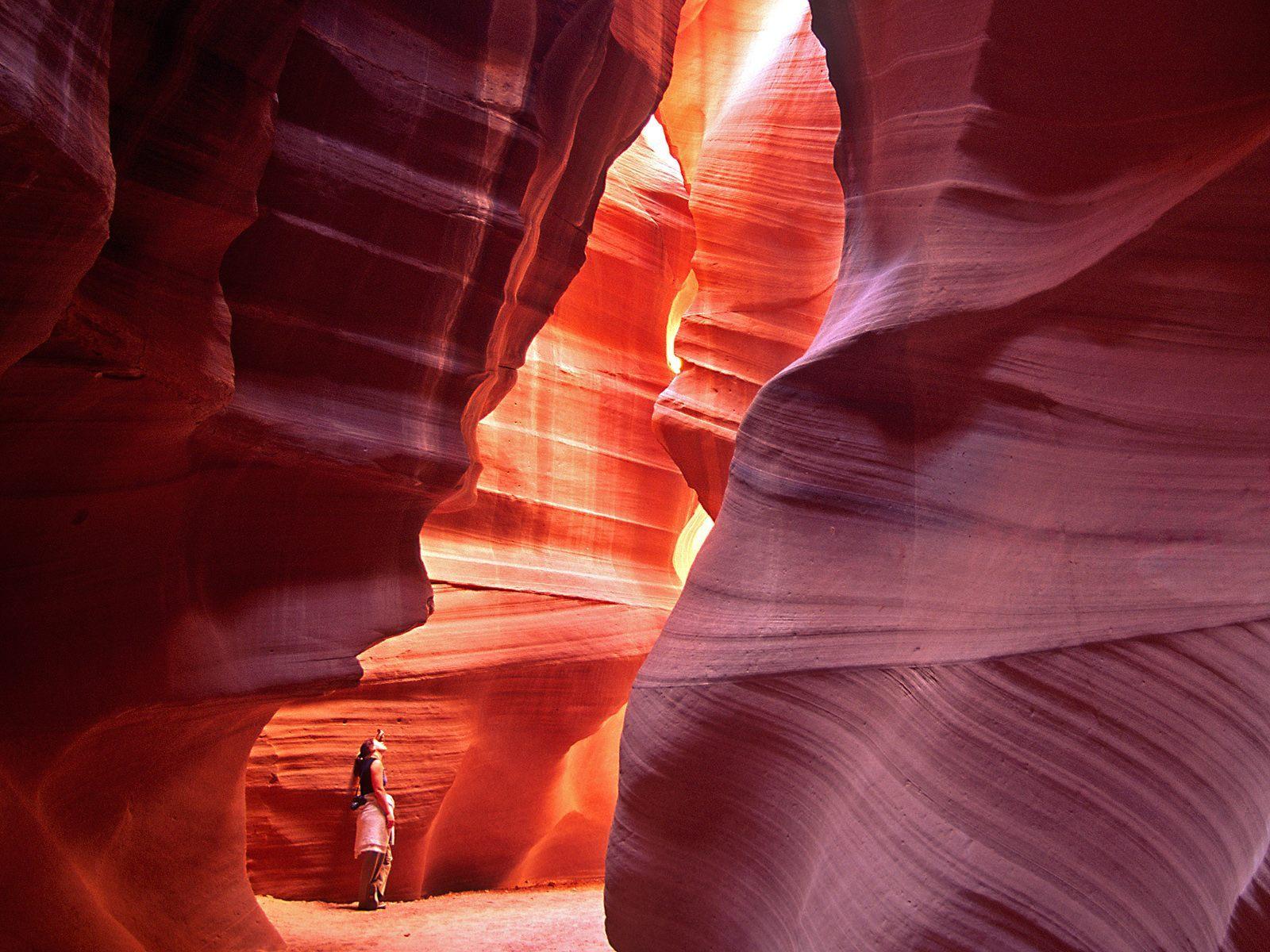 http://1.bp.blogspot.com/-LbkO6i1SFtU/T7ZQ6tsAmKI/AAAAAAAAB9U/Gopoe2YDczg/s1600/antelope-canyon-wallpapers_13254_1600x1200.jpg