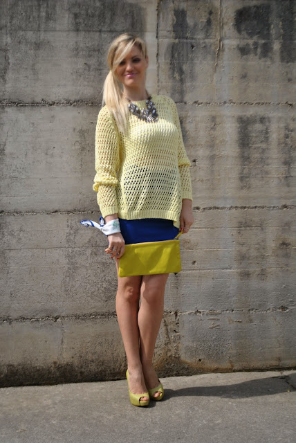 outfit giallo outfit blu outfit giallo e blu come abbinare il giallo abbinamenti giallo come abbinare il blu abbinamenti blu mariafelicia magno fashion blogger colorblock by felym mariafelicia magno fashion blogger outfit primaverili outfit maggio 2015 outfit gonna blu come abbinare la gonna blu abbinamenti gonna blu blue outfit yellow outfit yellow swaeter blue skirt spring outfit fashion bloggers italy maglione giallo outfit gonna blu blog di moda blogger italiane di moda milano guess majique massimiliano incas foulard fattori fattori abbigliamento