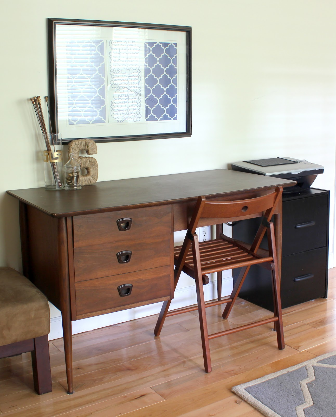 mid century desk bargain craigslist find erin spain. Black Bedroom Furniture Sets. Home Design Ideas