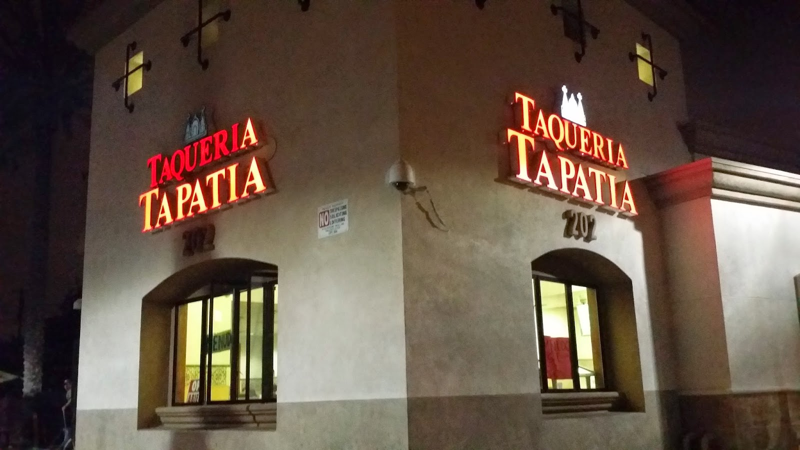 FEELS LIKE TACO TUESDAY EVERYDAY @ TAQUERIA TAPATIA - SANTA ANA