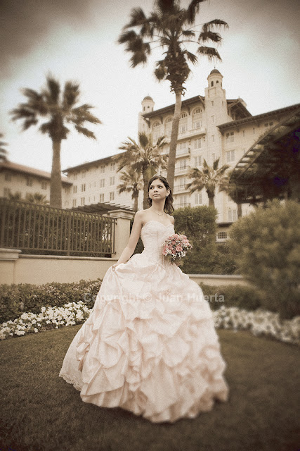 Quinceanera photography by Juan Huerta. Copyright © All Rights Reserved