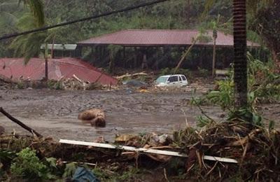 huracan Evan arrasa Samoa, 14 de Diciembre 2012