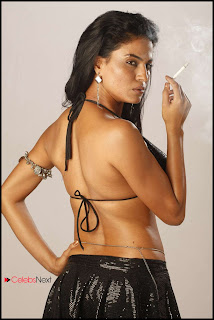 Veena Malik  Pictures from Mutham Thara Vaa Tamil Movie  0020