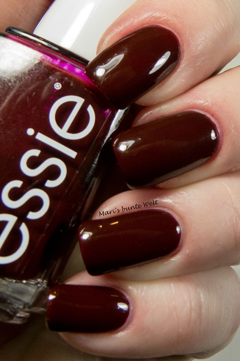 mari 39 s bunte welt blogparade essieliebe ich zeig 39 dir meinen liebsten essie bordeaux. Black Bedroom Furniture Sets. Home Design Ideas