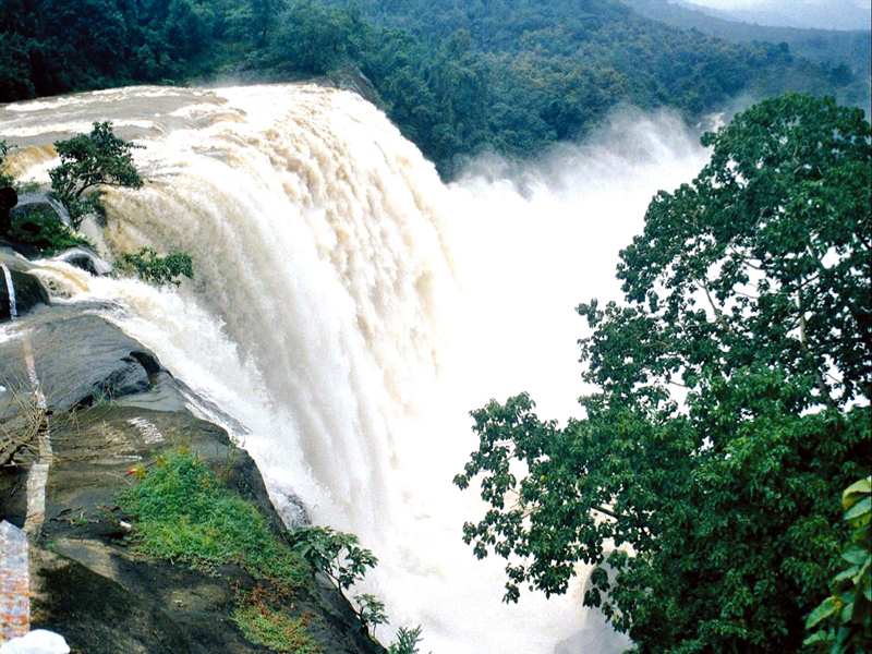Chalakudy India  city pictures gallery : Located in Chalakudy River, this waterfall is 24 meters and is a ...