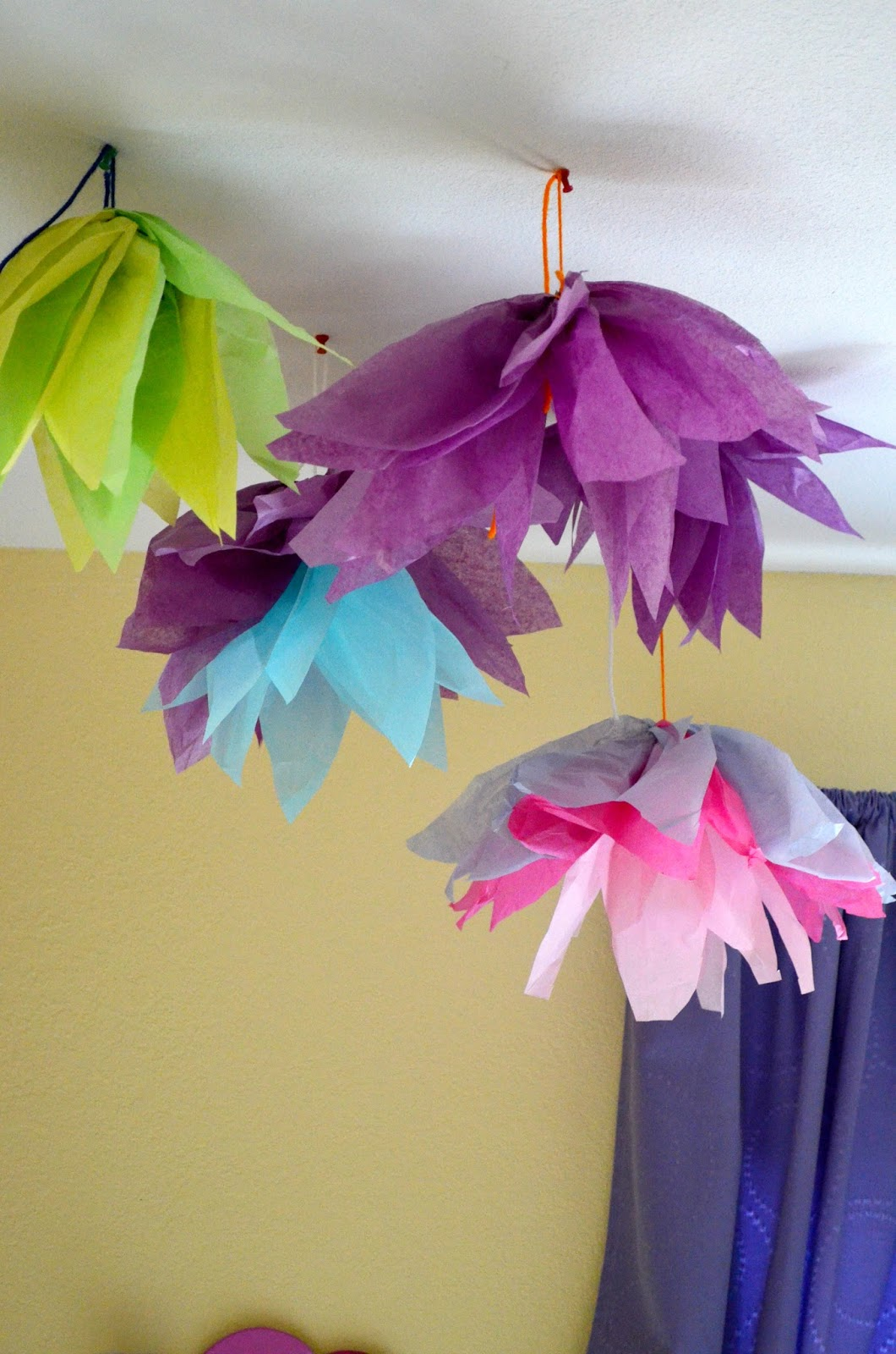 Snugglebug University Giant Tissue Paper Flowers