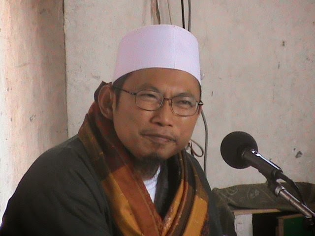 KH. Uzairon Toifur Abdillah