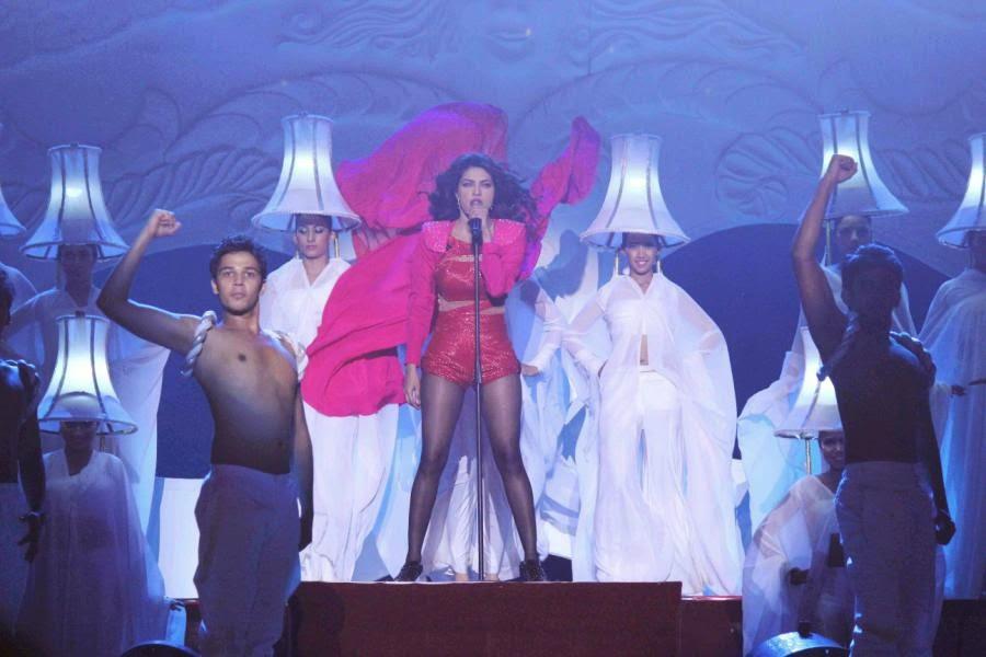 SRK, Priyanka, Jacqueline Performs at GOT TALENT WORLD STAGE LIVE