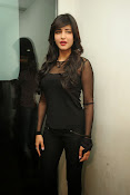 Shruti Haasan at Yevadu App Launch event-thumbnail-3