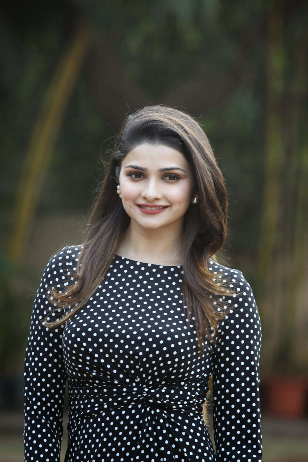 Prachi Desai, Gauhar Khan at CCIL New Year Eve Announcement Photos