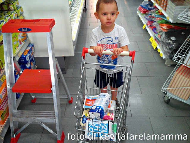 Cucinare coi bambini biscotti con i corn flakes kevitafarelamamma - Cucinare coi bambini ...