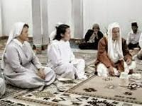 Ketika Habib Luthfi kedatangan rombongan Pendeta dan Biarawati
