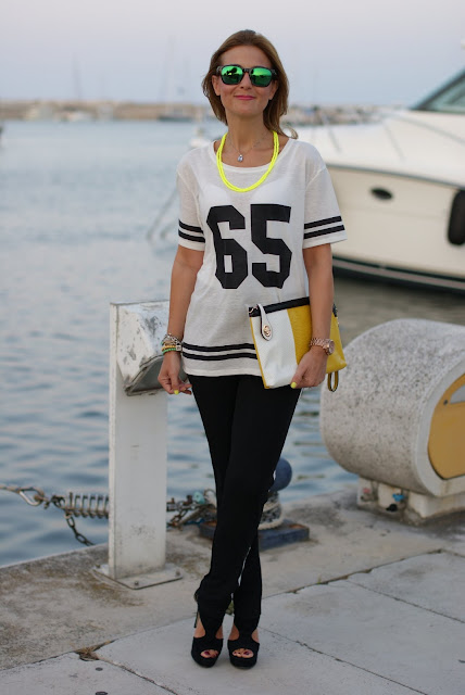 Pull & Bear number tee, look sportivo con maglia numero, football player top, t-shirt with number, Fashion and Cookies