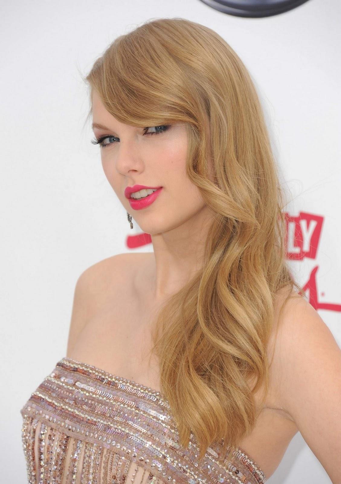 http://1.bp.blogspot.com/-LdOCU2vKAAw/Tp-tawiuPbI/AAAAAAAABPU/XS2WyXjhmjg/s1600/Hot-Taylor-Swift-7.jpg