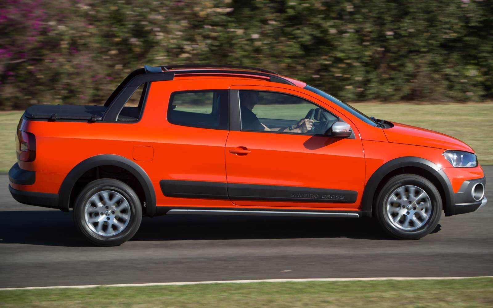 VW Saveiro Cabine Dupla 2015 Cross
