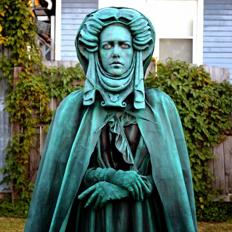 Found An Unknown Cosplayer As Madam Leota Her Tombstone