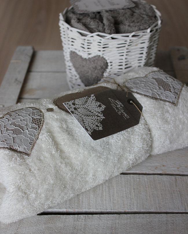Biancheria per lacasa scontata da Chiodi Bianco Casa