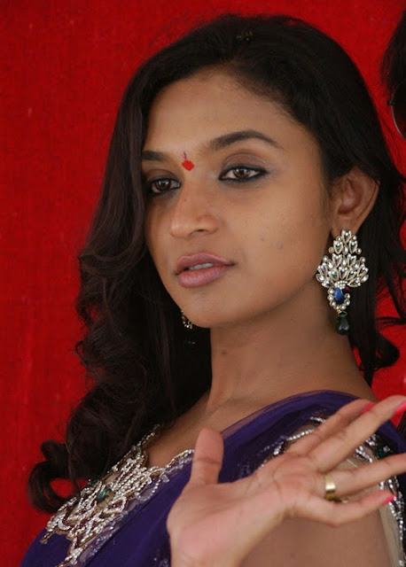 Labels: Akshaya » Akshaya Photo album » mallu actress akshaya photo ...