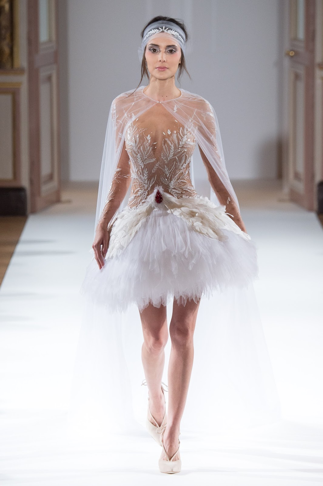 Paris fashion week yanina couture spring summer 2016 for Fashion couture