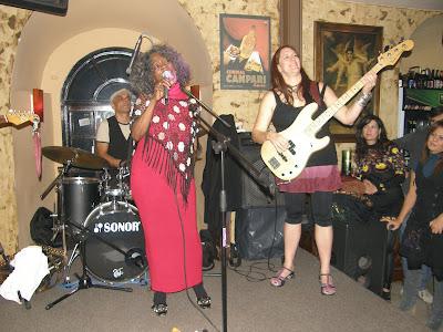 Dolores  Scott : Blues  απο το Σικάγο