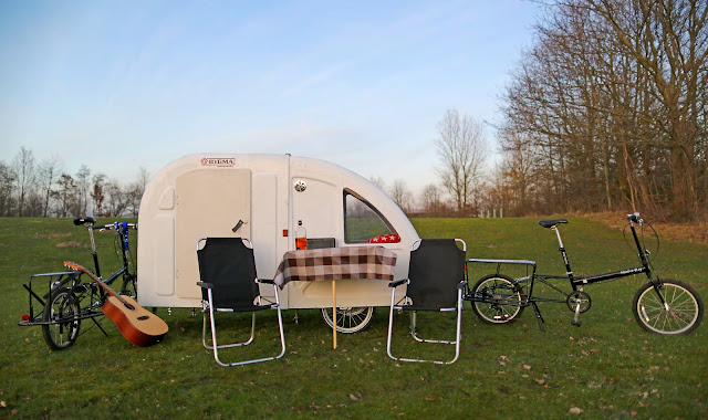 cyclists tent trailer