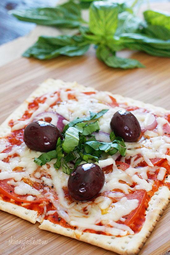 Skinny Passover Matzo Pizza | Skinnytaste