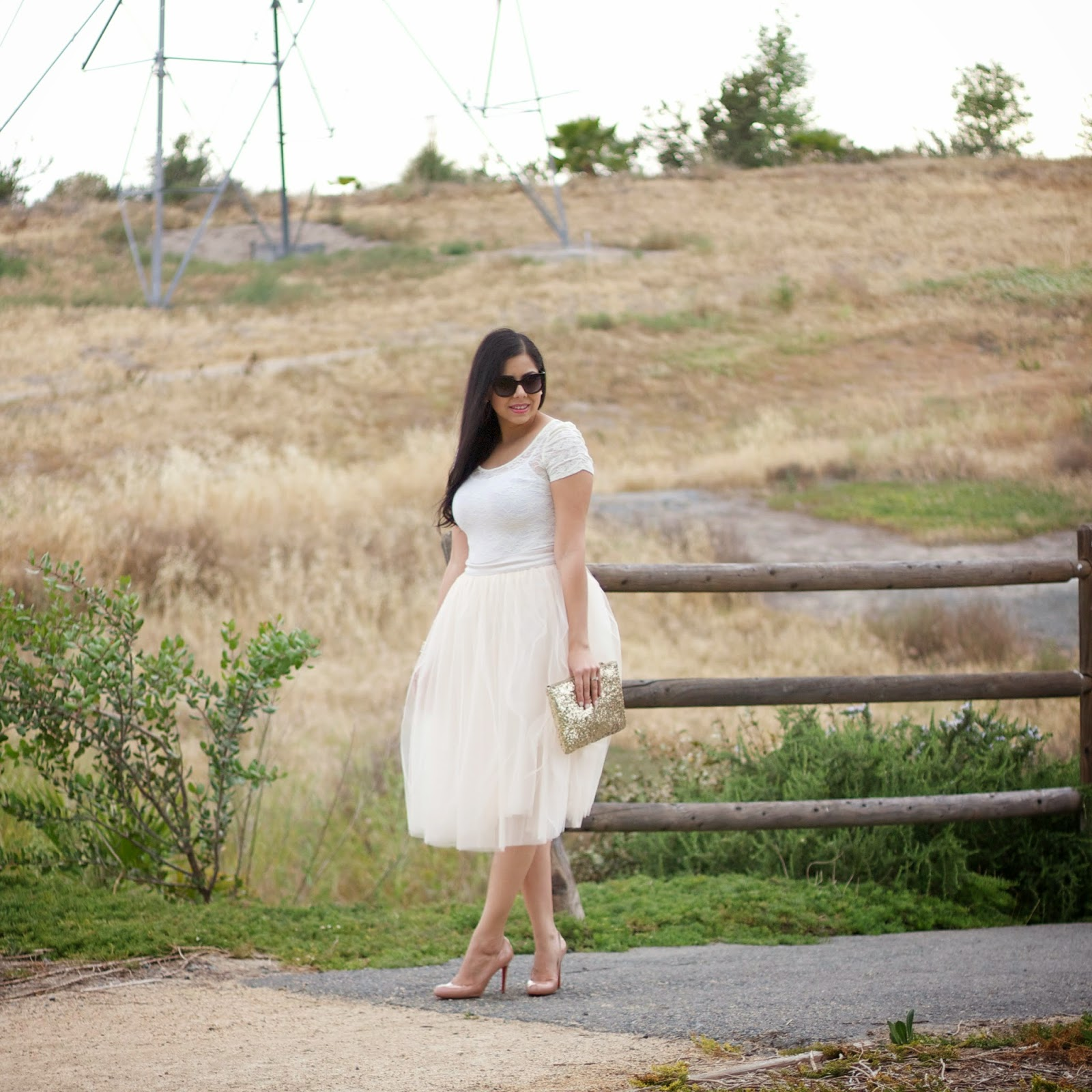 midi tulle skirt ootd, brunette fashion blogger, style blogger in a tutu, san diego blogger in tutu