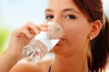 Apakah Wajib Minum 8 Gelas Air Perhari?