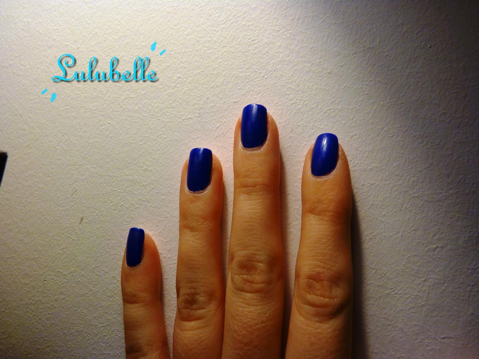 claire's vernis blue gel
