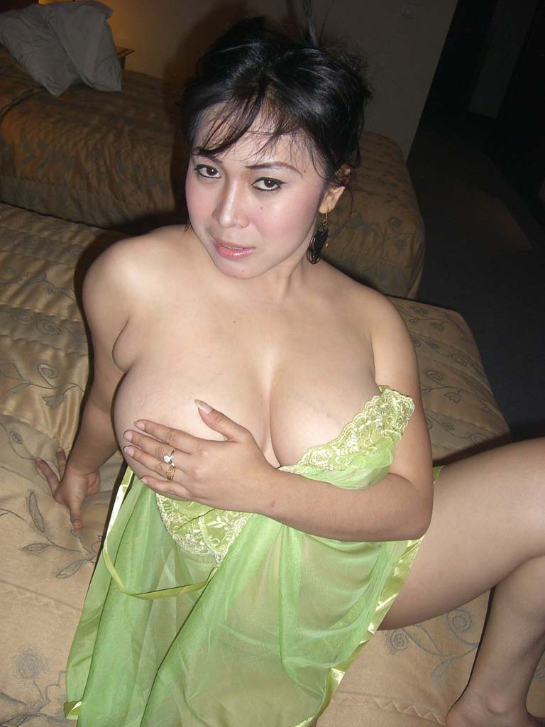 Tante tante gila lagi party | BochorBlog