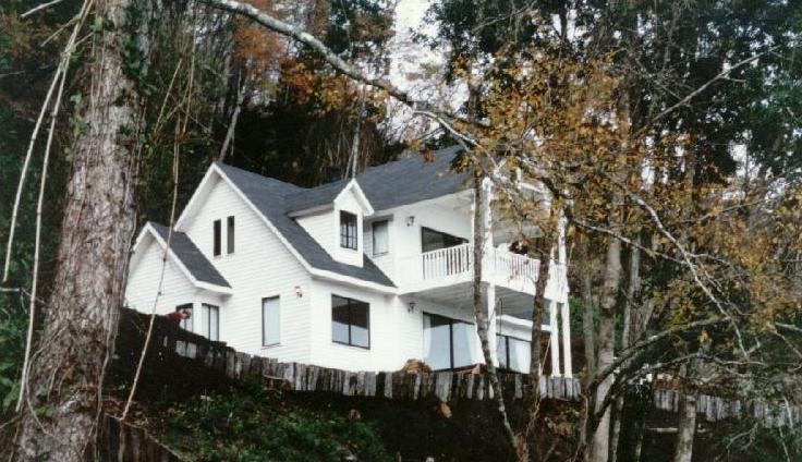 Fachadas de casas fachada estilo americano en altura for Fachadas de casas estilo americano