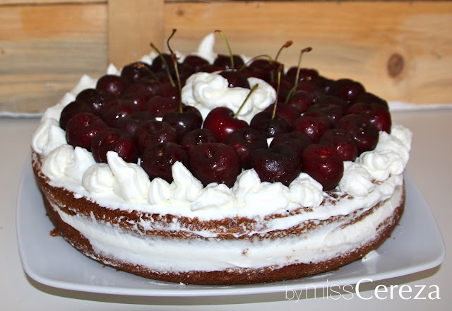 Naked cake de nata y cerezas