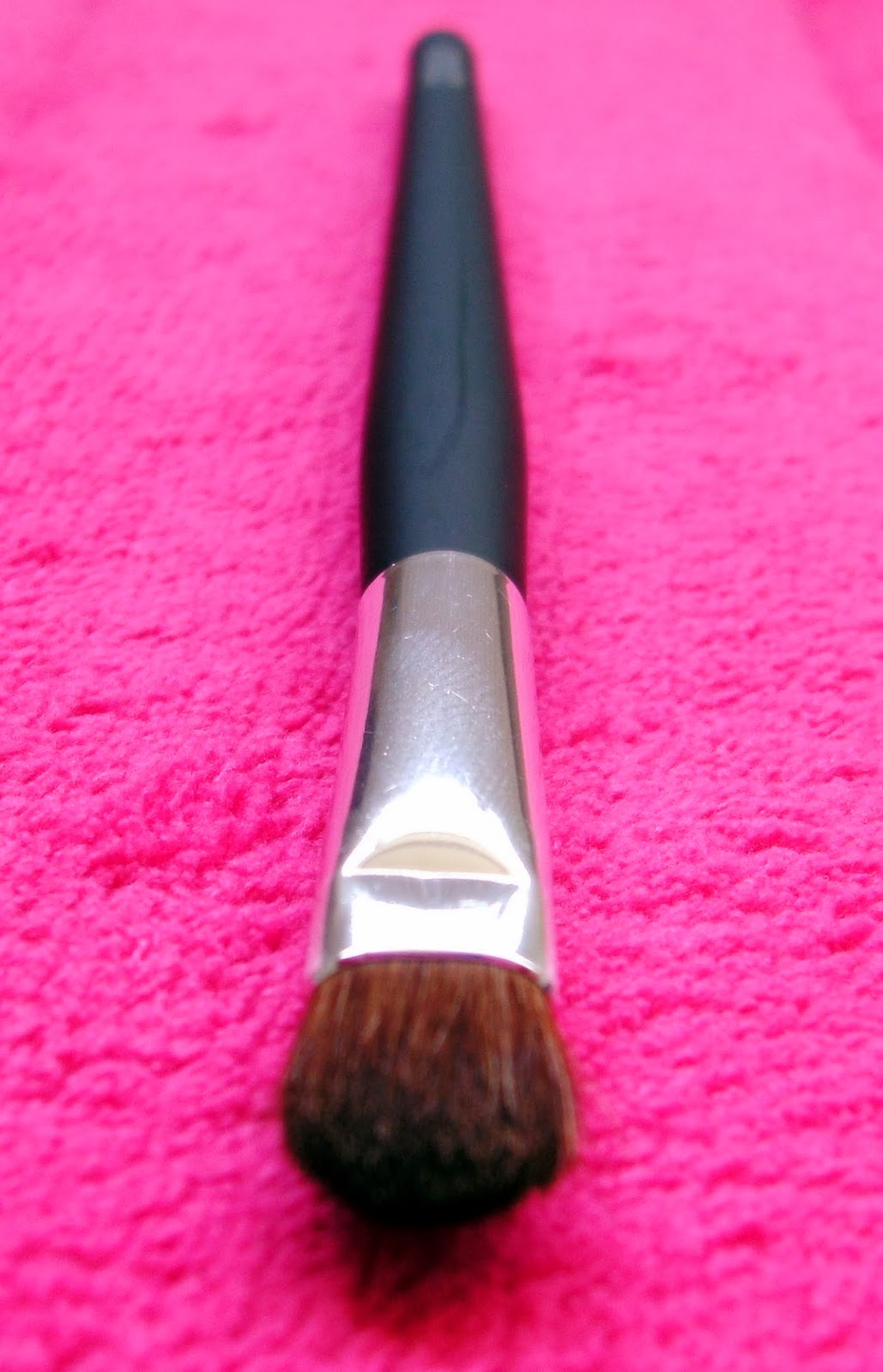 Bargain Barbara Daly Eyeshadow Makeup Brush from Tesco